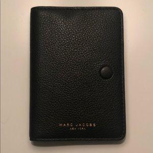 MARK JACOBS PASSPORT CASE